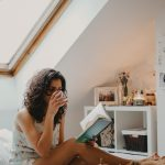 5 things to do every day before 9 am! Start your day right, by creating a morning routine you're looking forward to! These are 5 of my favorite morning rituals that make me happier, healthier and more productive for the rest of the day.