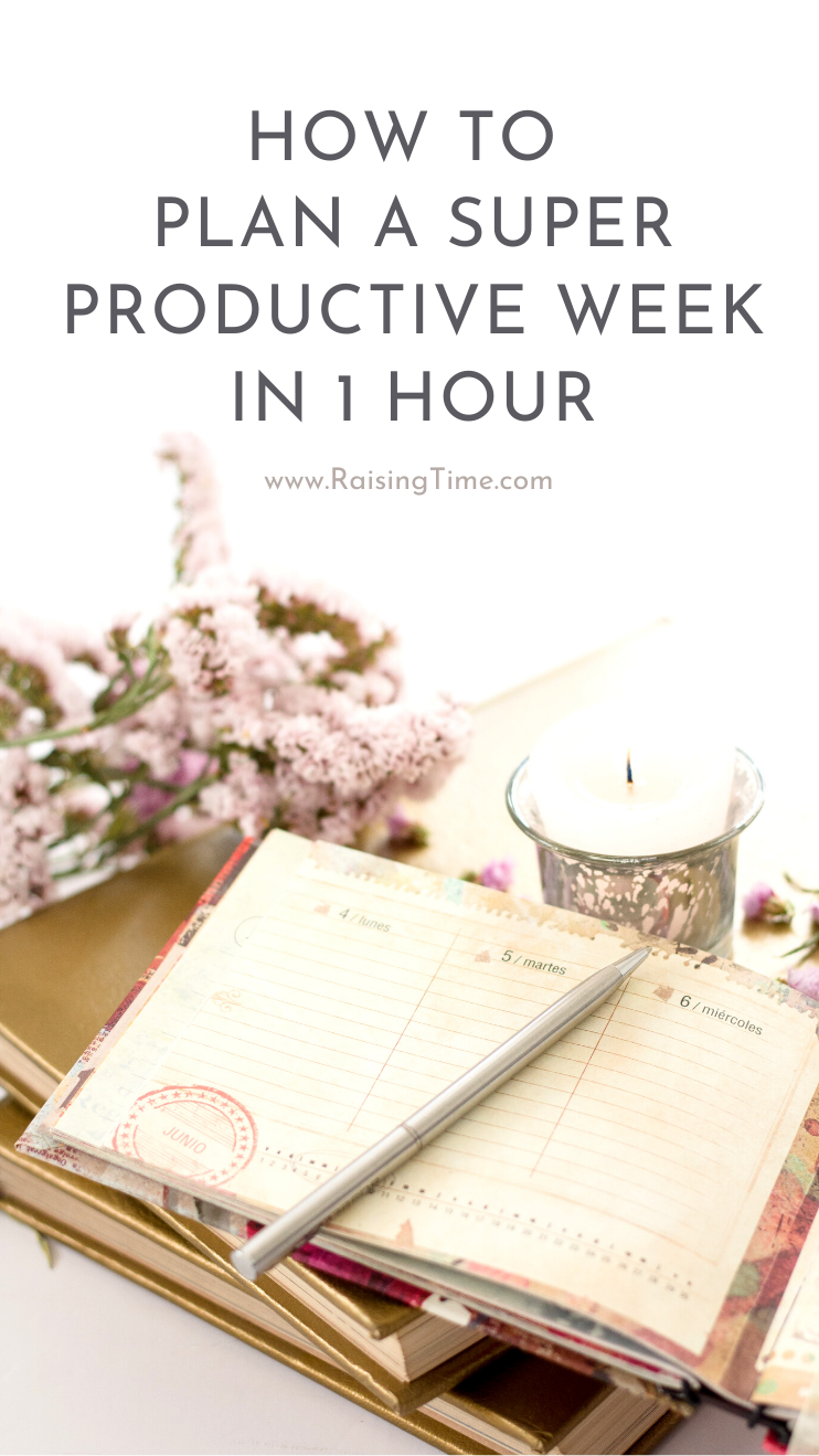 How to plan a super productive week in 30 minutes - a great Sunday habit to start. Use a printable weekly planner or create a weekly planner in your bullet journal to plan your week using these productivity tips.